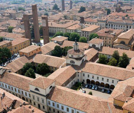 Ex-Ospedale San Matteo - Veduta aerea dei quattro cortili dell'Ex Ospedale San Matteo, uniti nel corso del Novecento al Palazzo dell'Università